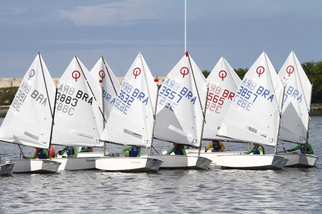 150601 - Regata Optimist - Foto Marcos Pastich (52)