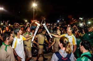 Revezamento da Tocha Olímpica Rio2016 - Lars Grael (d) e Clínio Neto, condutor Bradesco durante o Revezamento da Tocha Olímpica em Niterói (RJ) - 02.08.16 - Revezamento da Tocha Olímpica Rio2016. foto: BRADESCO/William Lucas - Brasil - rj - Niterói - - - www.inovafoto.com.br - id:113811